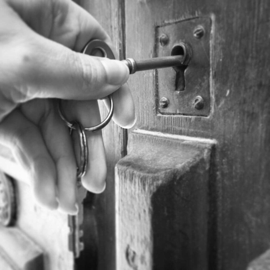 House locksmith and Commercial locksmith Detroit
