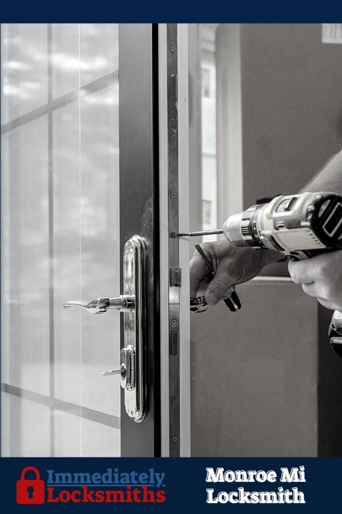 monroe locksmith service around you